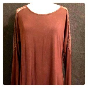NWT Andree brown top